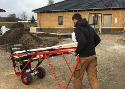 spangkilde vinduesløfter benyttes ved husbyggeri - nem transport